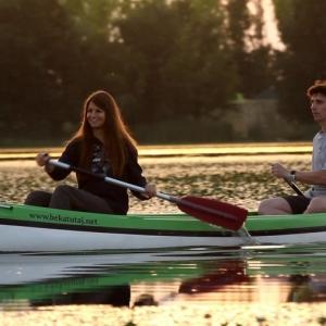 canoeists-lake-tisza